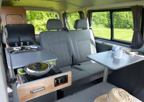 van mania am nage votre fourgon en camping car. Black Bedroom Furniture Sets. Home Design Ideas